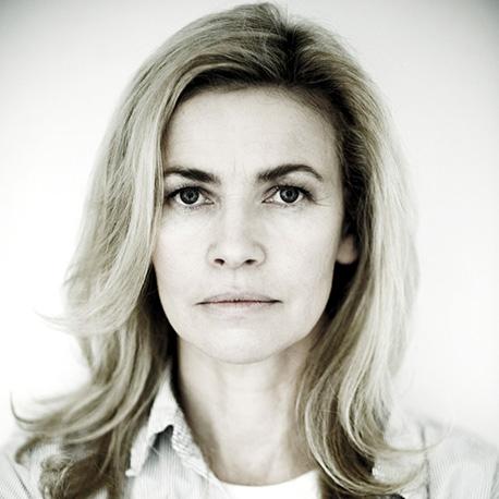 Lidia Popiel (Linda)